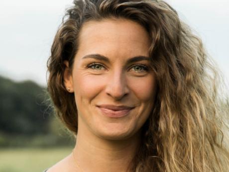 Absolventin Caro Lobig arbeitet als Investigativ-Journalistin und Regisseurin.